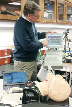 Al Moss demonstrates airway and ventilator management with the  RespiTrainer Advance.